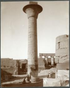 Karnak. Colonne de Tahraka